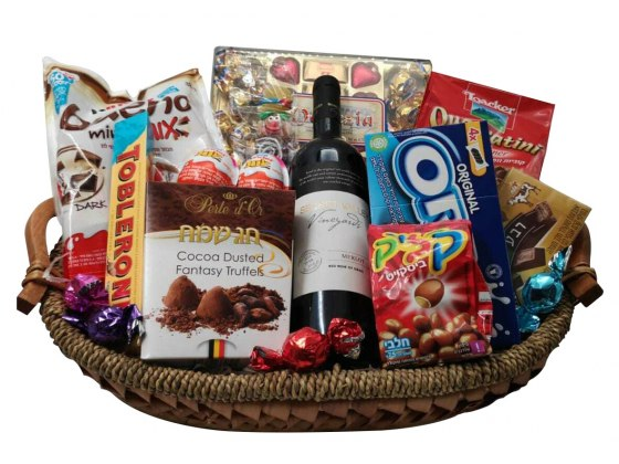 Large Straw Basket Mishloach Manot with Wine