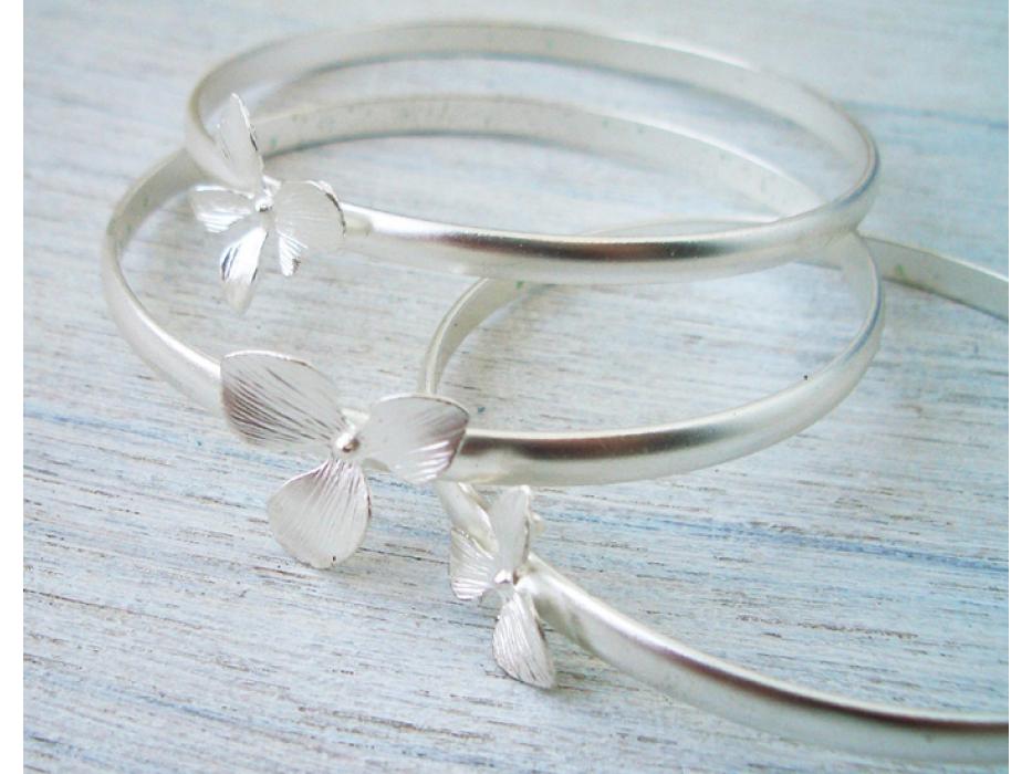 Flower Bangle Bracelets in Gold or Silver - Shlomit Ofir Jewelry