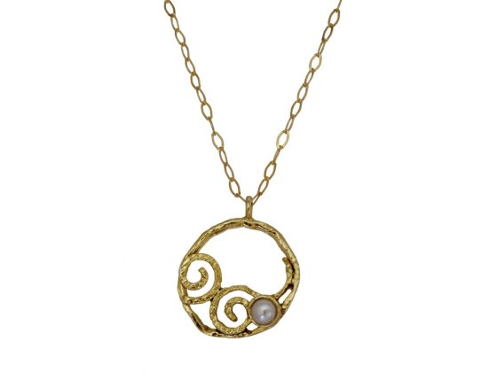 Round Gold Ornament with Pearl, Jewish Jewelry