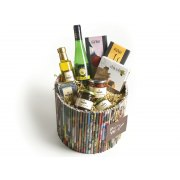 Recycled paper rolls packaging